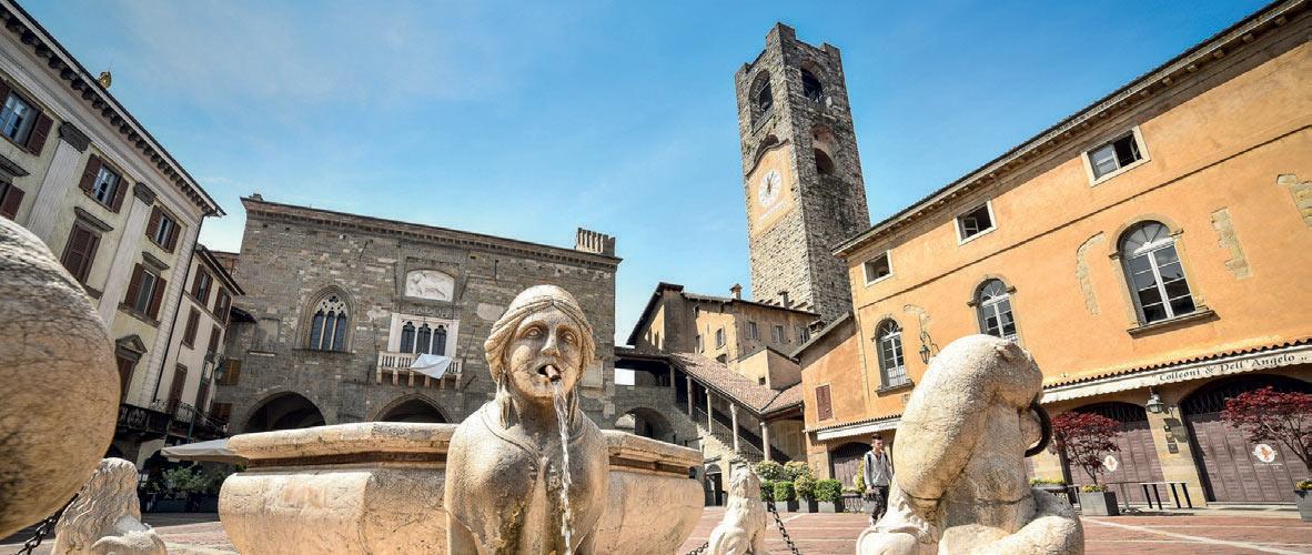 Bergamo Square with fountain