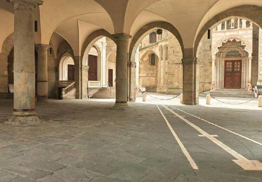 Bergamo Città Alta portici medievali